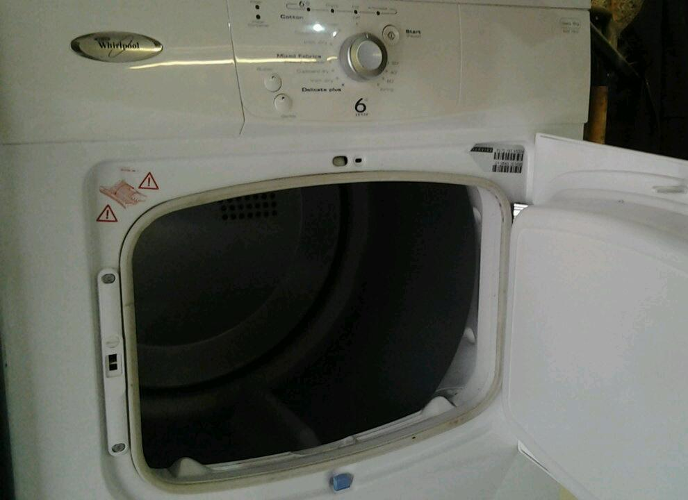 Condensing tumble dryer in good working order