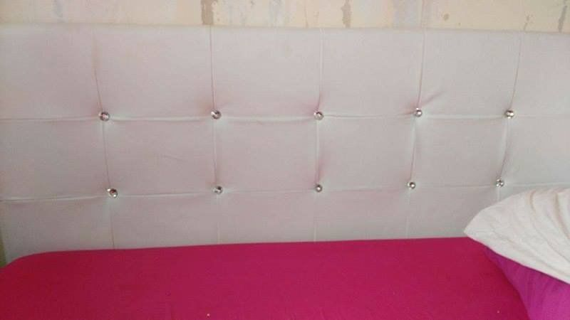 beautiful white double bed with gems in excellent condition