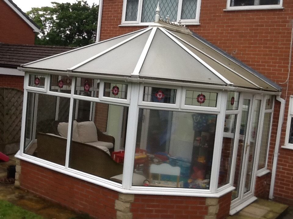 Large 3mx4m conservatory glazed panels, roof, doors. No leaks. X2 Windows need attentiob