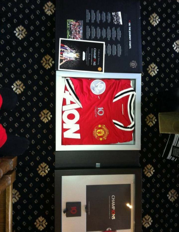Man United 19th Title Rare Collectable