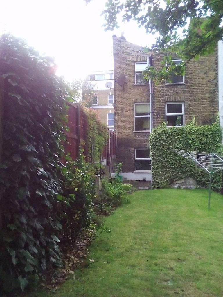 Double Room in Spacious House New Cross -- STILL AVAILABLE