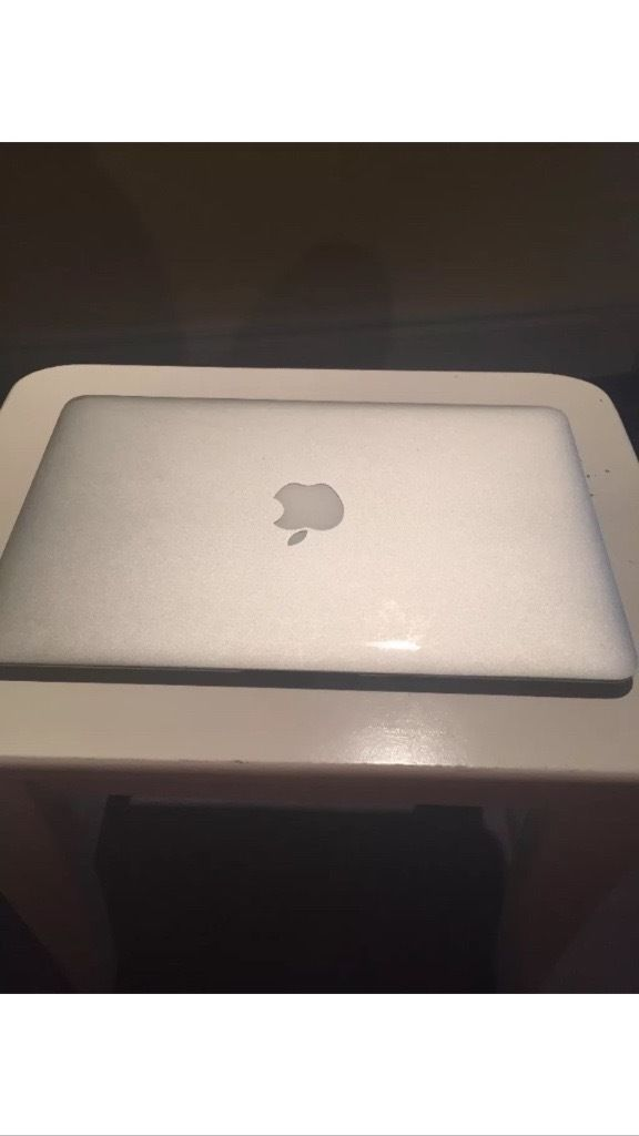 "FOR SALE: Apple Macbook Air, 11.6"".1.6GHz Intel Core i5, 128GB Model - A1370."