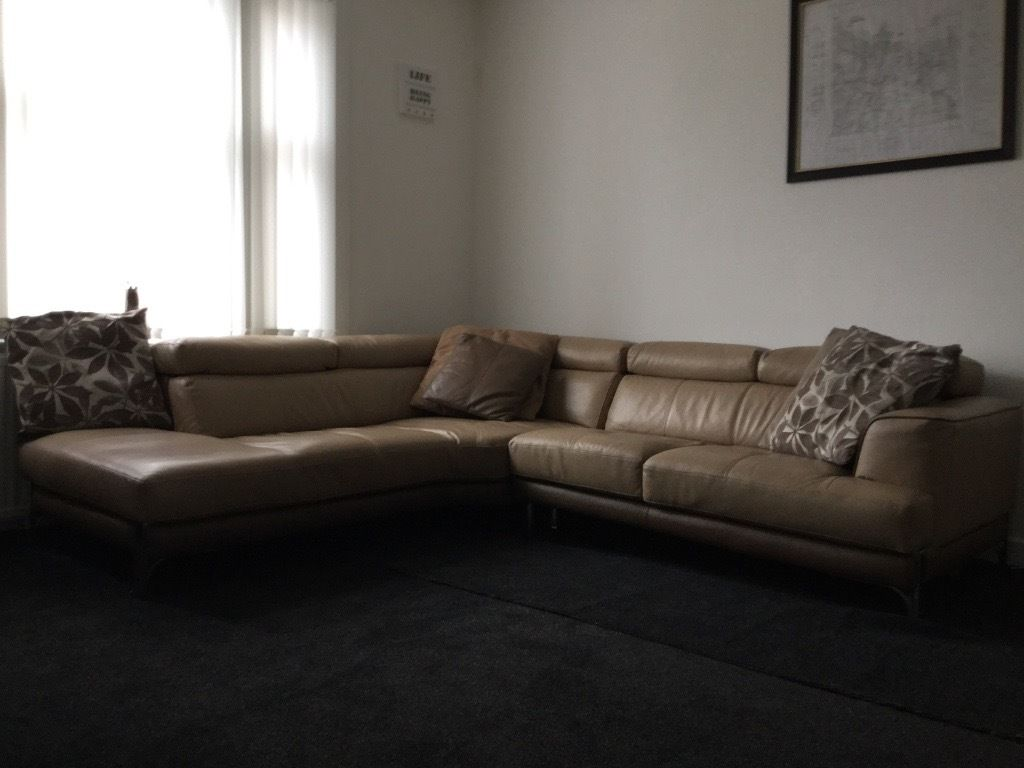 DFS corner leather suite 2.2x2.4m