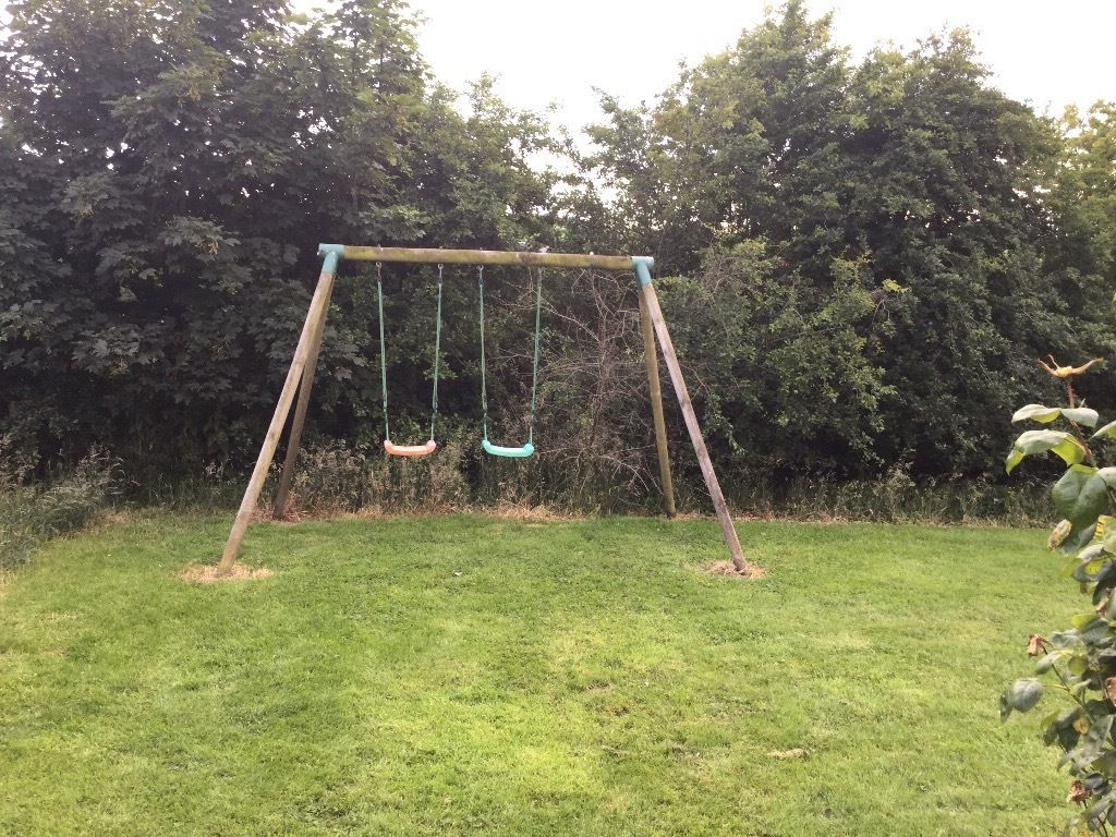 Soulet double swing set -outdoors only