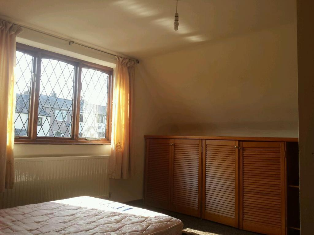 Spacious Double room in nice house