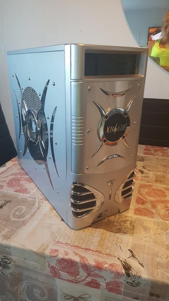 """GAMING CASE ,19""""MONITOR,KEYBOARD,MOUSE,WIFI +ADAPTER"""