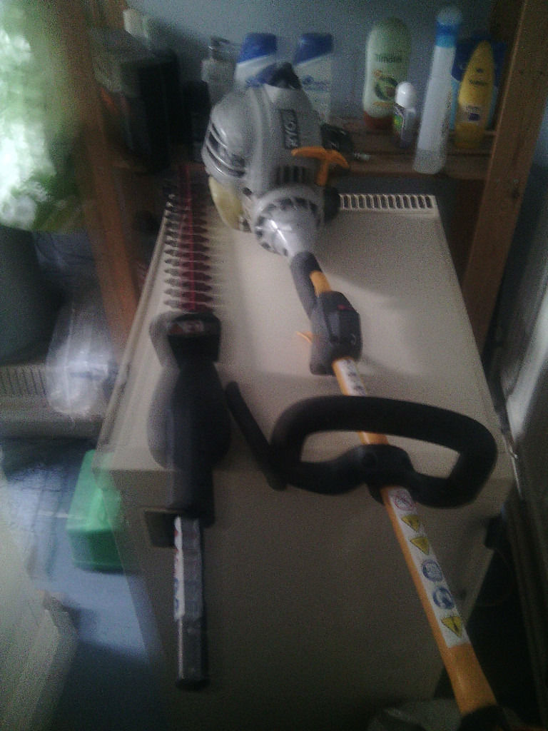 2 x Ryobi Petrol Strimmers Spares and Repairs Read Full Ad.