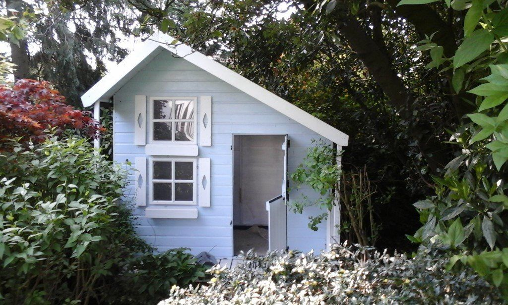 Nearly new 2 floor wendy house / play house, can deliver.