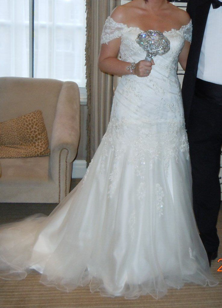 Stunning Ivory Wedding Dress by Sweetheart Gowns - Immaculate, Size 14