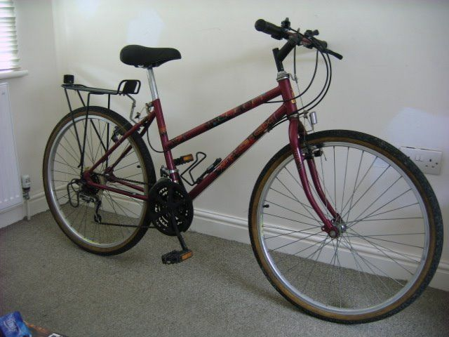 Ladies Mountain Bike Raleigh 17 Inch Frame Alloy Wheels Rear Rack 15 Speed Can Deliver If Local