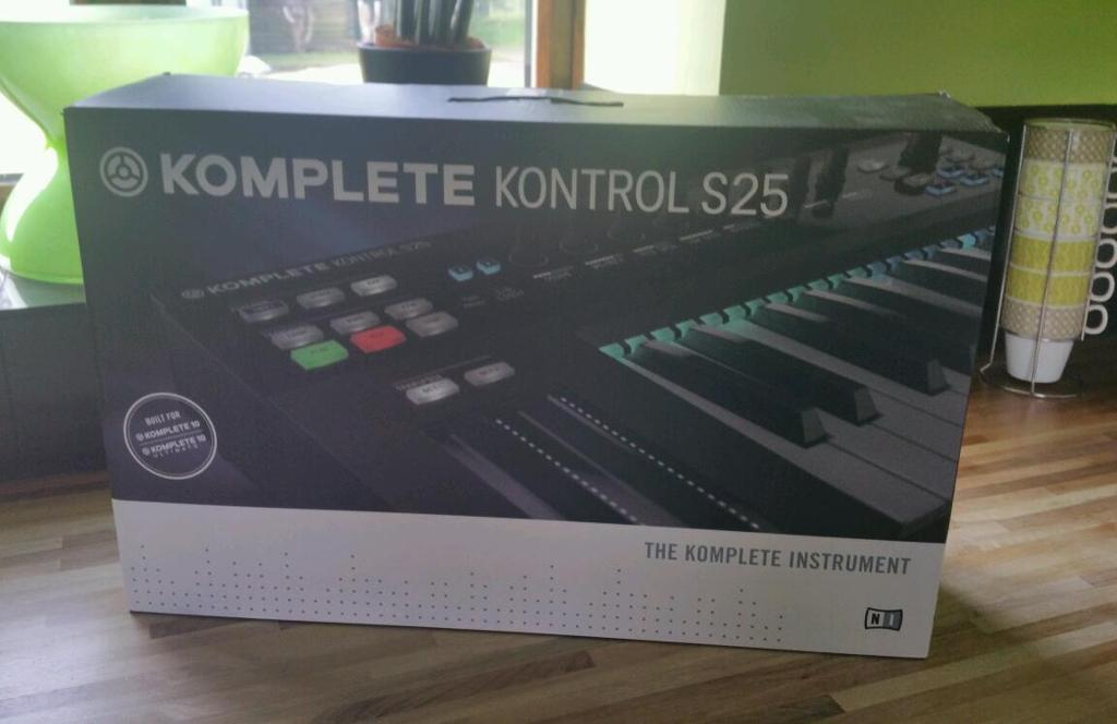 NATIVE INSTRUMENTS KOMPLETE 10 ULTIMATE AND KOMPLETE KONTROL S25