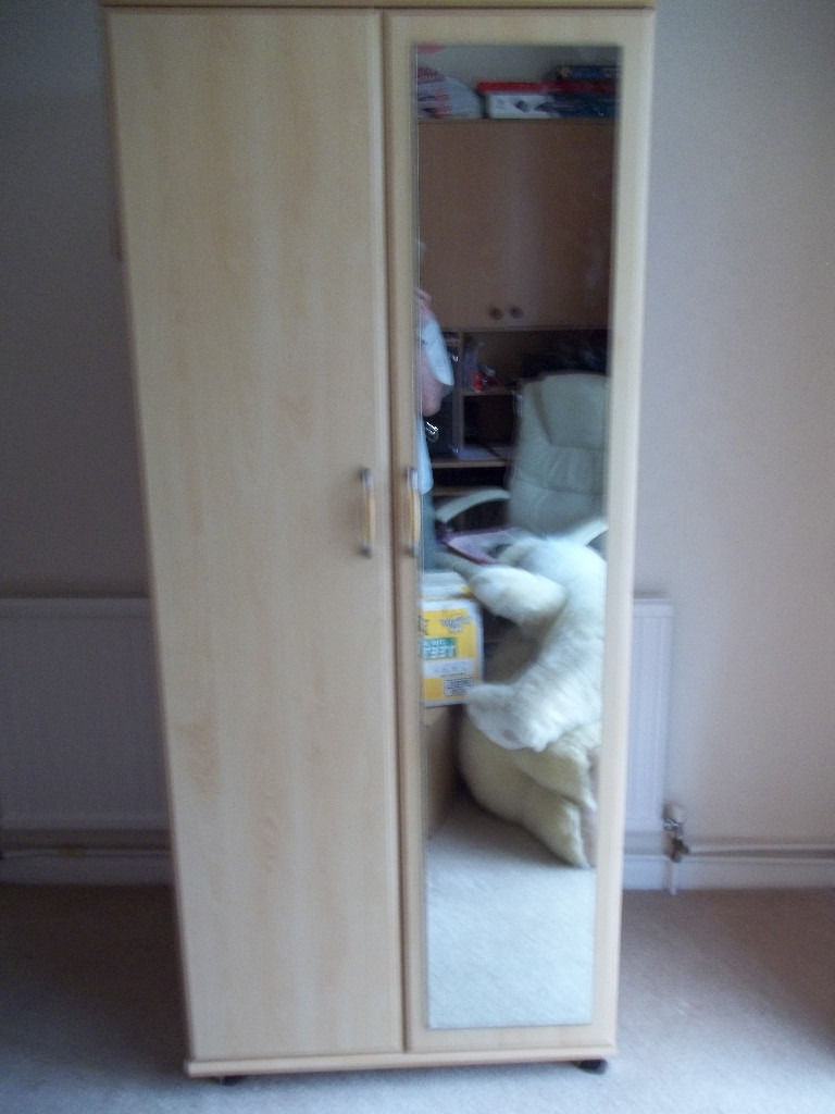 Wardrobes Hanging Robe with 2 Draws Hanging Robe with Mirror 1/2 Wardrobe Dressing Table 6 Draws