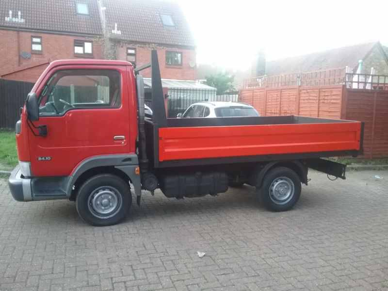 Nissan cabstar tipper 2006