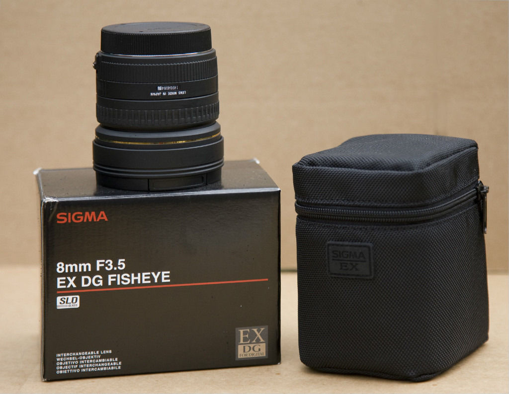 SIGMA 8MM F3.5 EX DG LENS (CANON FIT) - AS NEW CONDITION