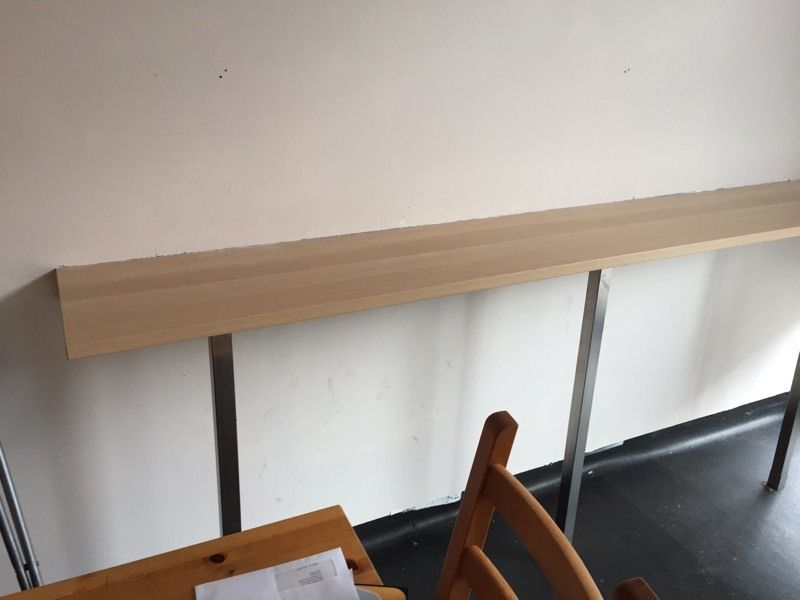 Breakfast bar and 6 high stools