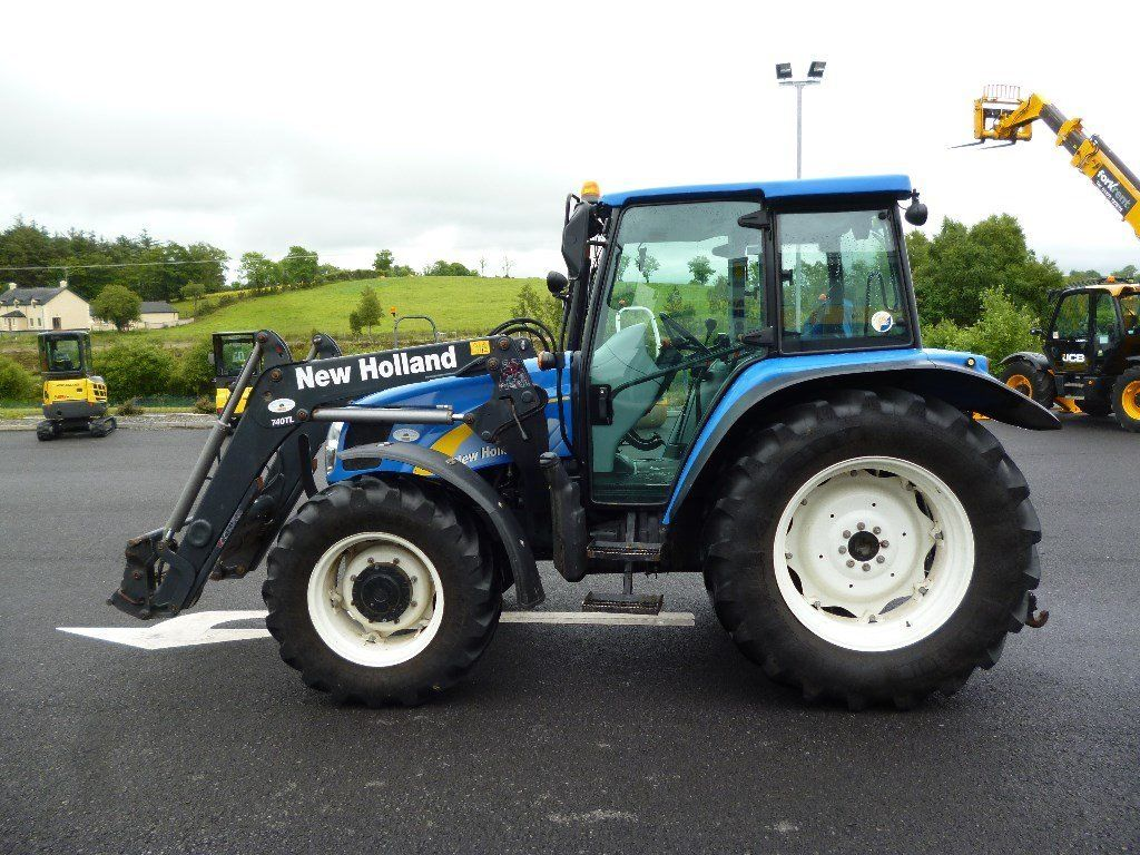 2011 New Holland T5060 4wd & loader, 1743 hours