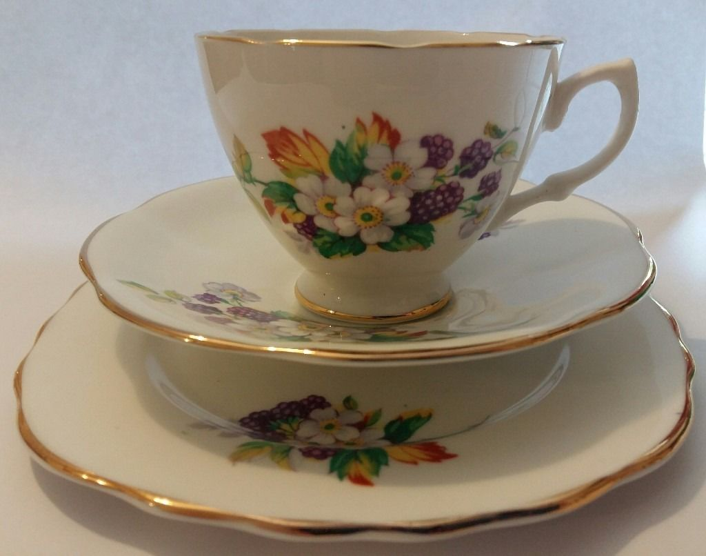 Dorchester Finest Bone China 18 piece set for sale