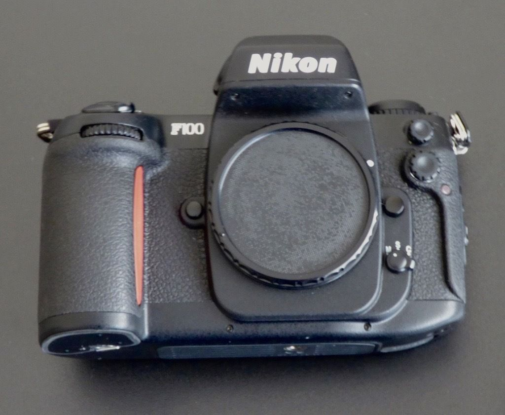 Nikon F100 35mm film body excellent condition