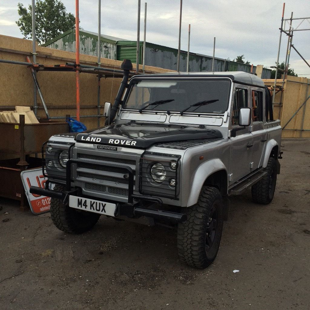 Mint condition Land Rover defender !!