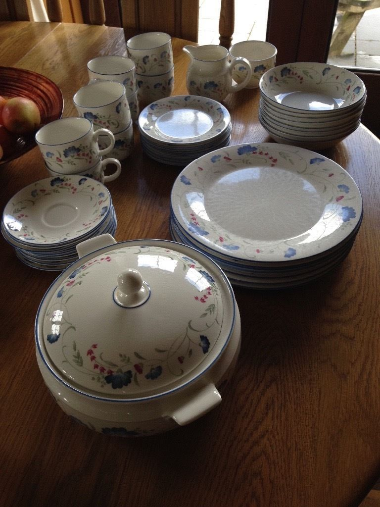 8 piece dinner and tea set