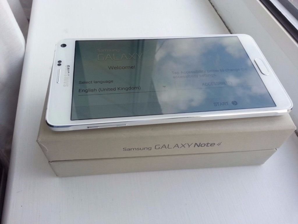 32GB NEW White SAMSUNG Galaxy Note 4 - Delivery available