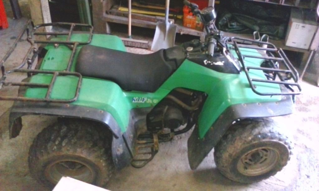 Kawasaki KLF 300 Quad Bike Spares or repairs=