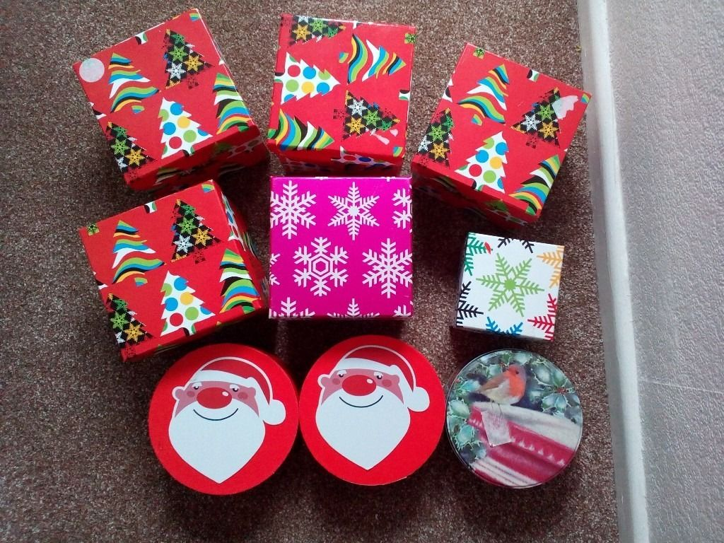 9 Christmas gift boxes. Brand new