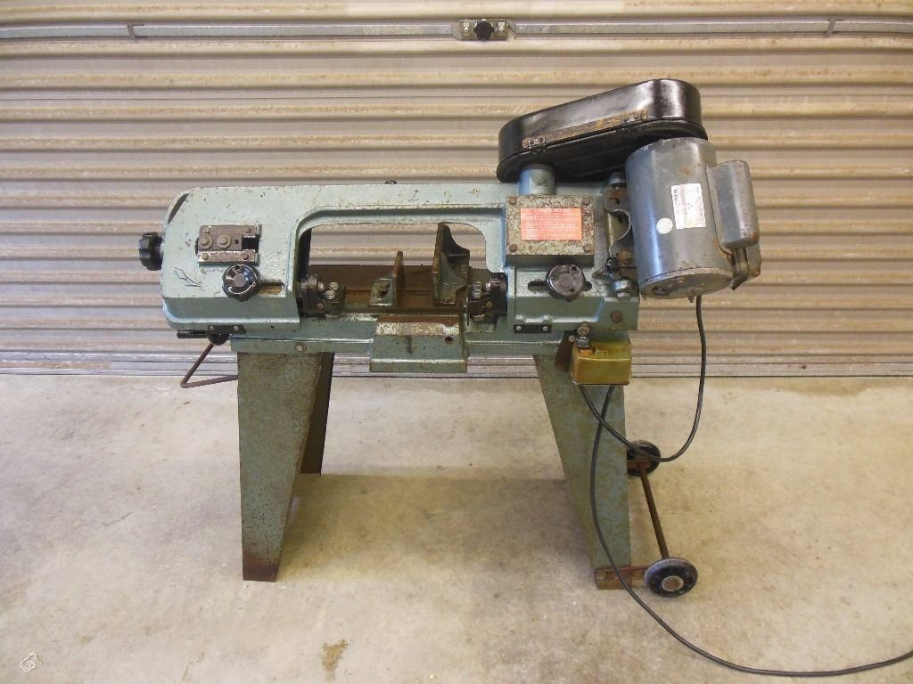 Horizontal and Vertical Metal Cutting Bandsaw, 240V, + spare blade
