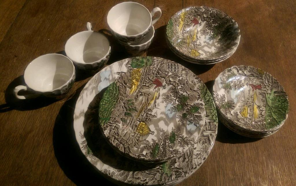 "Decorative Plate set, ""The Hunter"" By Myott"