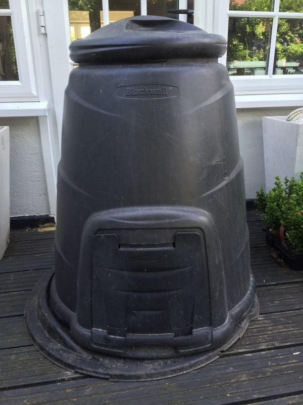 'Blackwall' compost bin