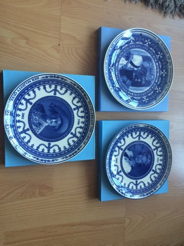 Daily mail limited edition royal plates Wedgwood