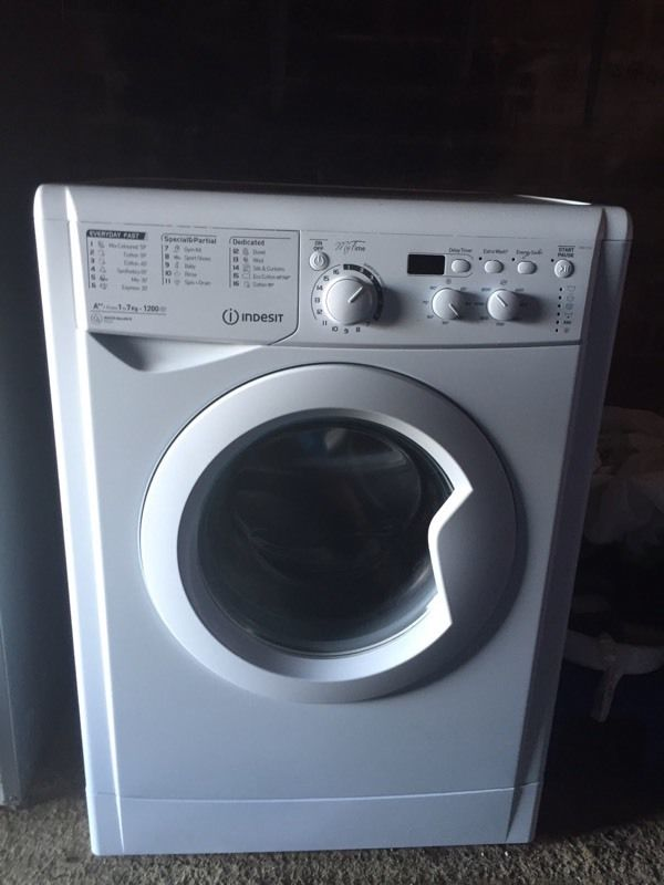 Indesit washing machine nearly new