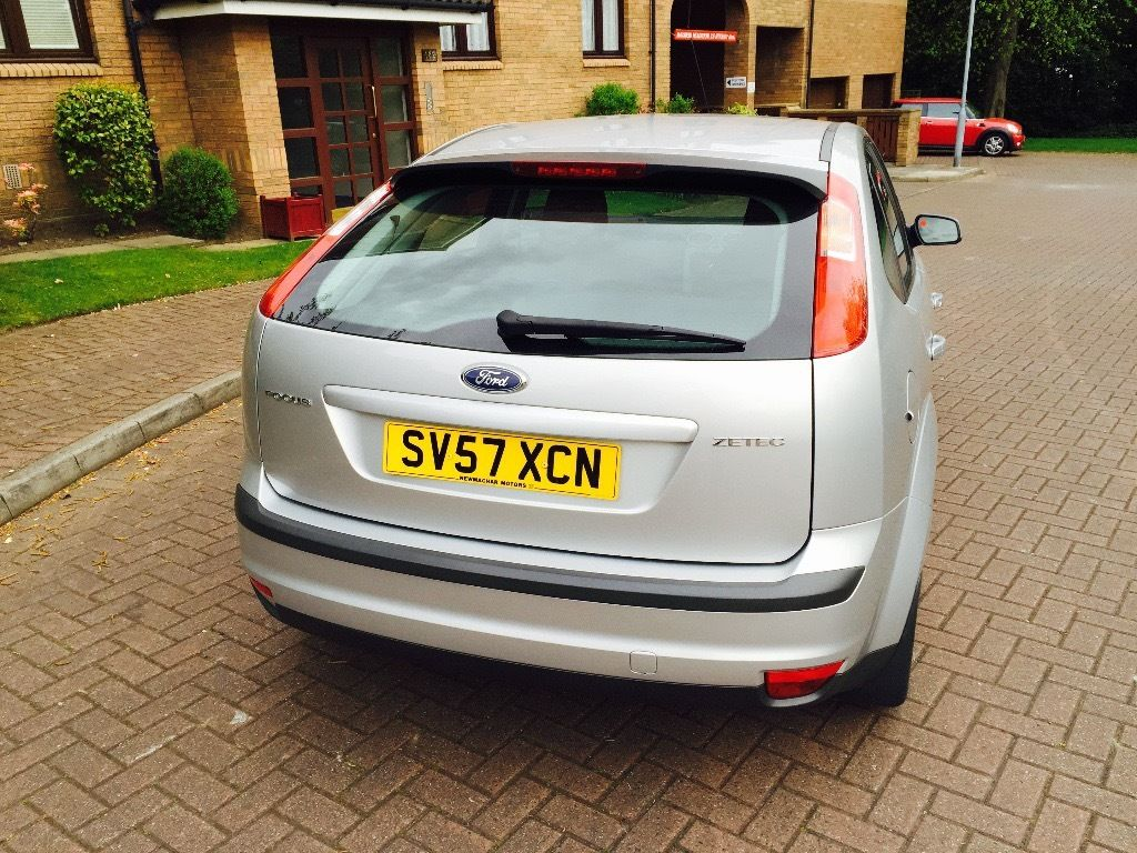 FORD FOCUS 1.6 ZETEC CLIMATE 57 PLATE MOT 1 YEAR FULL SERVICE HISTORY SUPERB CONDITION