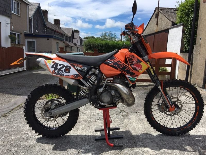 KTM 200 EXC 2 STROKE 2005 , Excellent condition. Road legal and current MOT