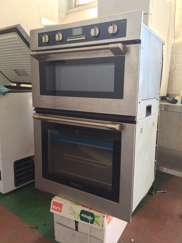 Electric double oven new unused De Dietrich DOD438