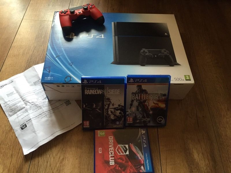 Playstation 4 console with Games