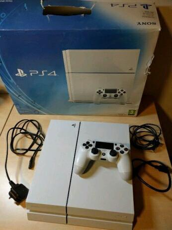 Playstation 4 for sale. Perfect condition. 5 games