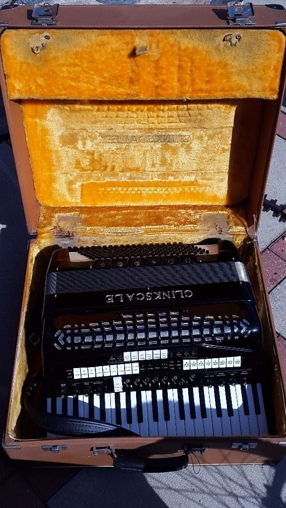 Clinkscale Bass Accordion in original case