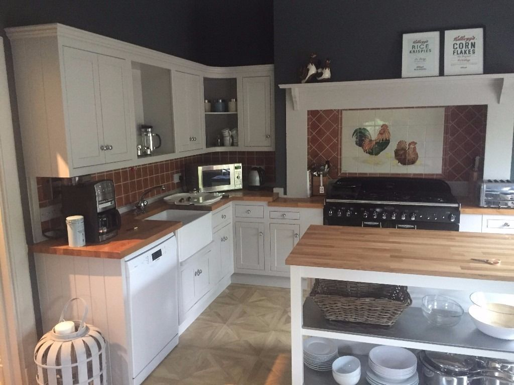 Professional Kitchen Fitters Edinburgh - Call 0131 278 0506 for free Quote