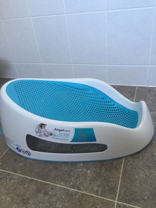 Soft Touch Bath Support - Angelcare mint condition