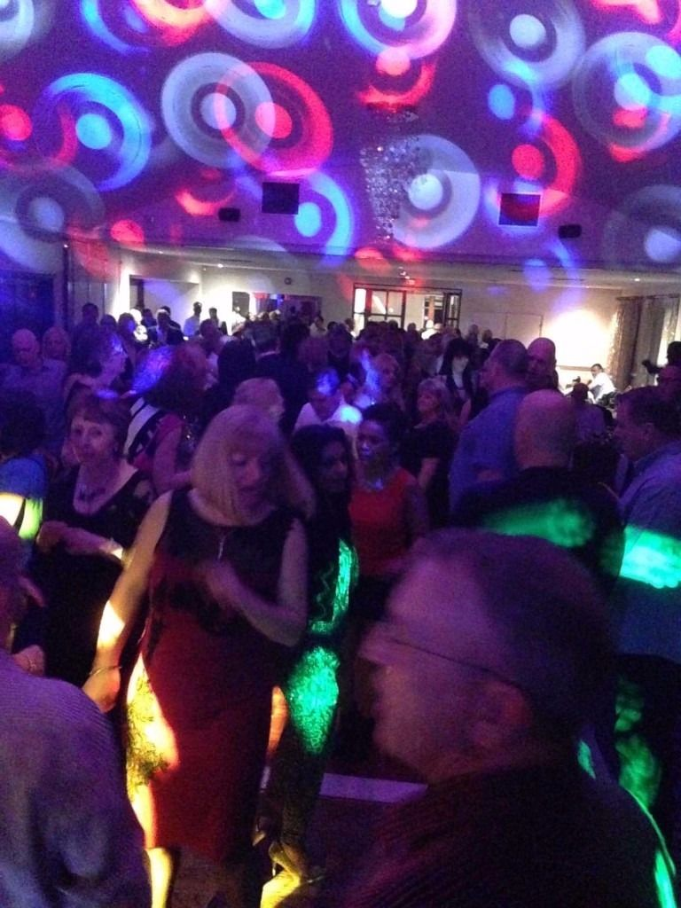 ESHER Over 30s 40s & 50s PARTY for Singles & Couples - Friday 26th August