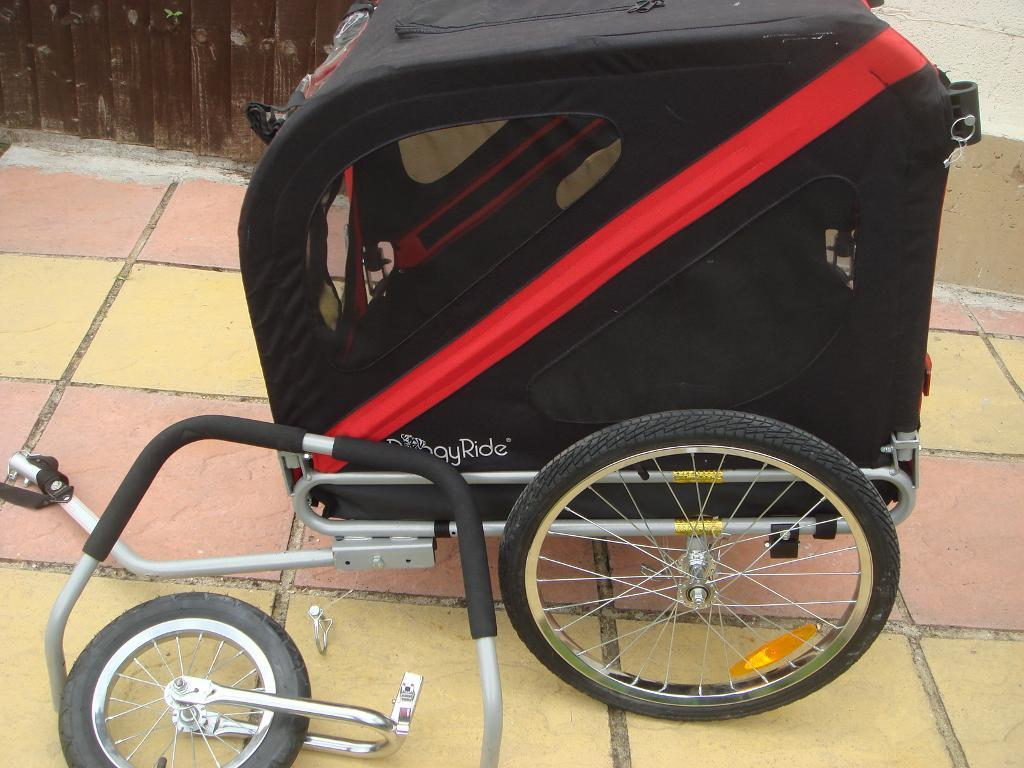 DoggyRide original bike trailer plus stroller kit. great conditions!