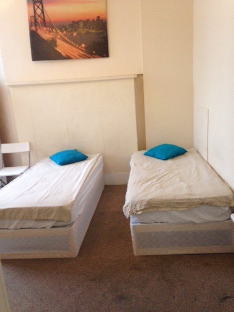 N. VERY CLOSE TO UCL!!! DOUBLE ROOMS - EUSTON - KINGS CROSS - OK COUPLE - ALL INC