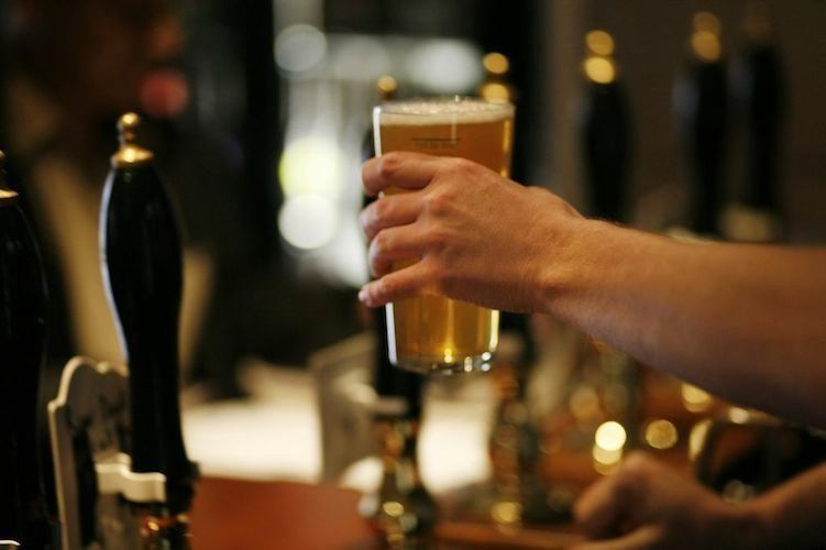 Bubbly full & part time staff needed for Fantastic pub in Central London, great pay, great team!