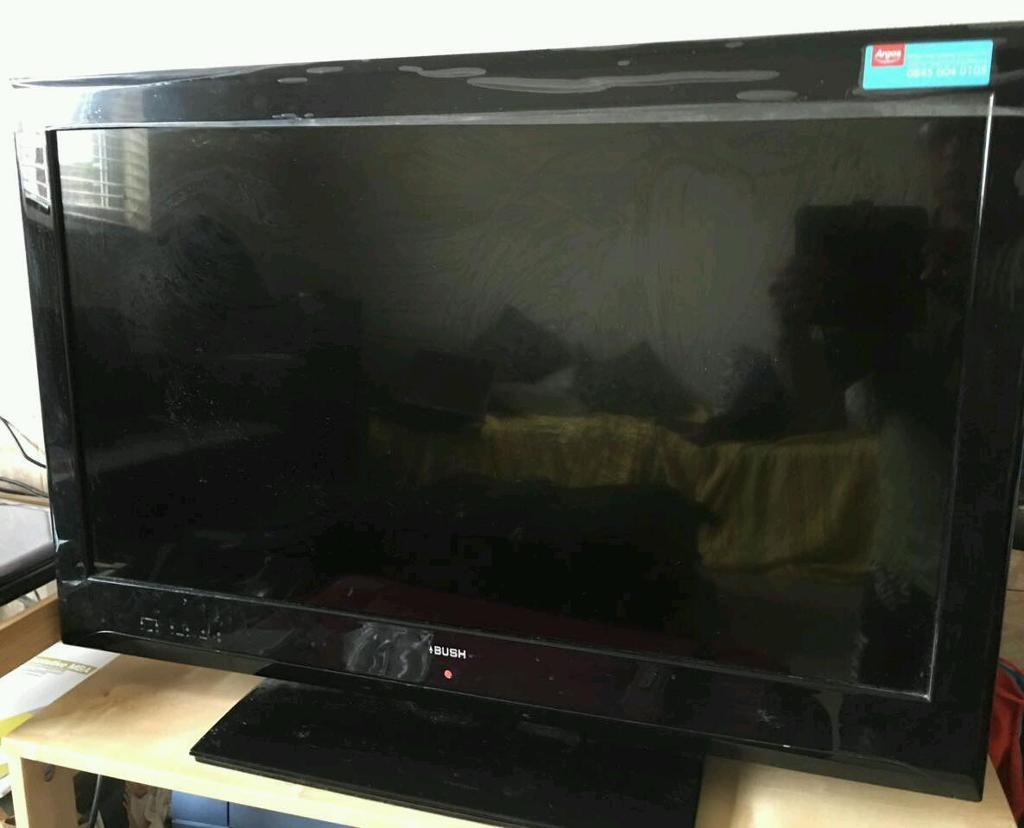 "Bush 32"" HD LED TV with free view and built in DVD for sale"
