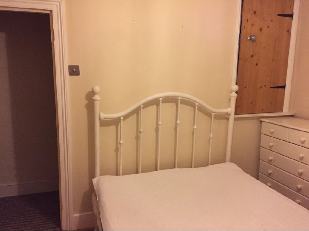 1 double room for rent in Leytonstone in 2 bedroom house