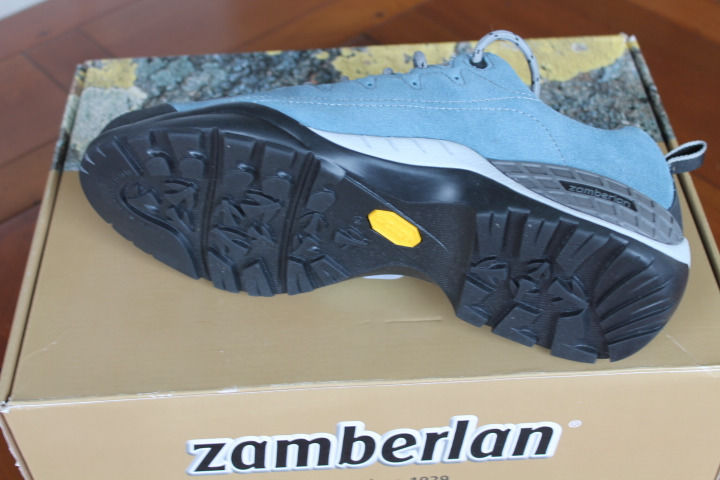 Zamberlan Ladies walking shoes, Euro size 42, brand new, never worn. 105 Parrot RR WNS