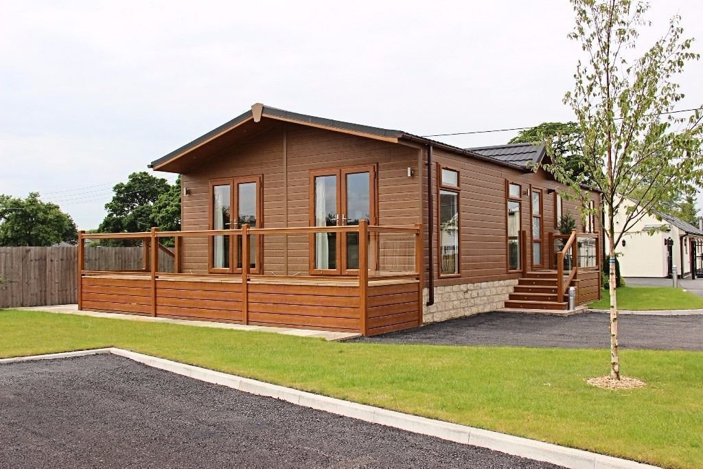 LUXURY LODGE FOR SALE ON 5* NORTH WALES PARK (STATIC CARAVANS)- LAKESIDE & SNOWDONIA VIEWS