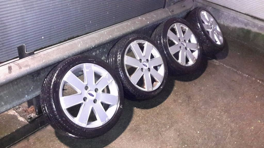 FORD ALLOY WHEELS X 4 WITH GOOD TYRES 16 INCHES - FORD SPORTS ALLOYS 195 45R 16