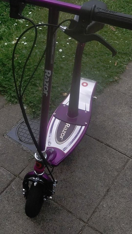 Razor electric scooter for swap for decent or new phone or cash